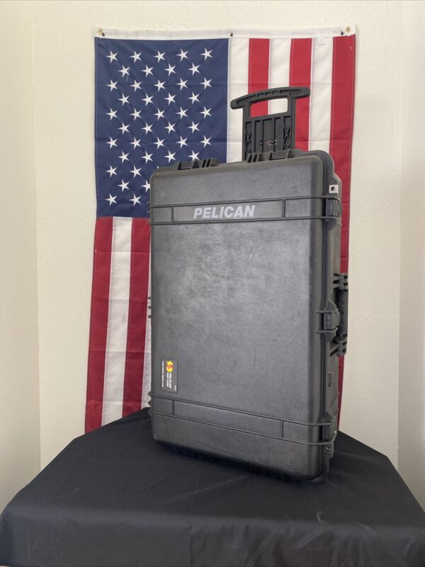 Pelican 1650 Protector Case Hard Wheeled Rolling Travel Case  - FREE SHIPPING-