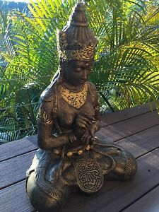 Gold Buddha statue Bonnet Bay Sutherland Area Preview