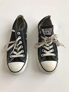 Black and white converse shoes  Cambridge Kitchener Area image 3