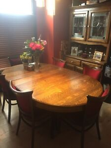 Dining room table, 8 chairs, cabinet