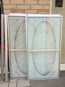 Glass etched shower doors