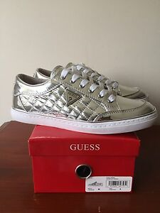 GUESS SNEAKERS, size 9
