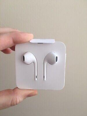 Apple Earphones Lightening Wired NEW
