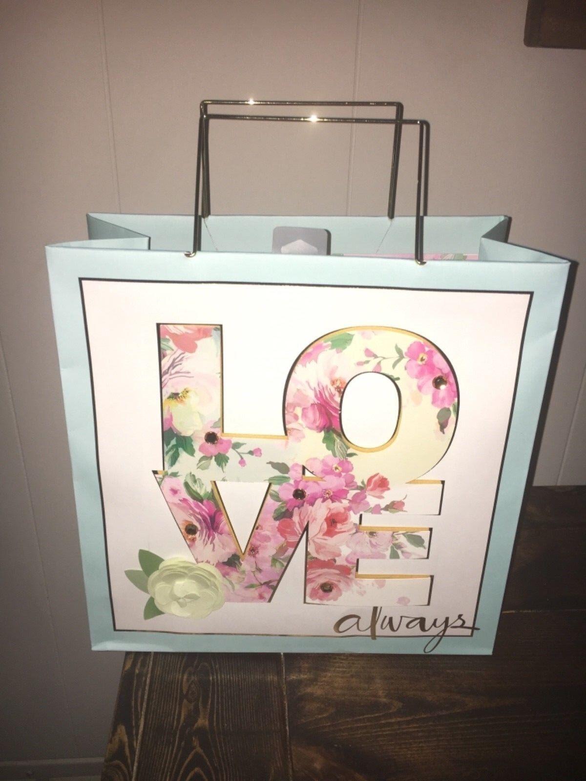 Hallmark Signature Flower Gift Bag For Birthday, Wedding, Br