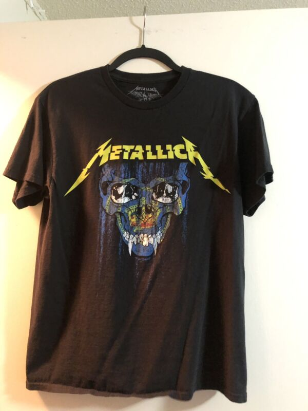 Metallica RARE World Wired Tour Shirt Rose Bowl July 29th 2017 SIZE MEDIUM