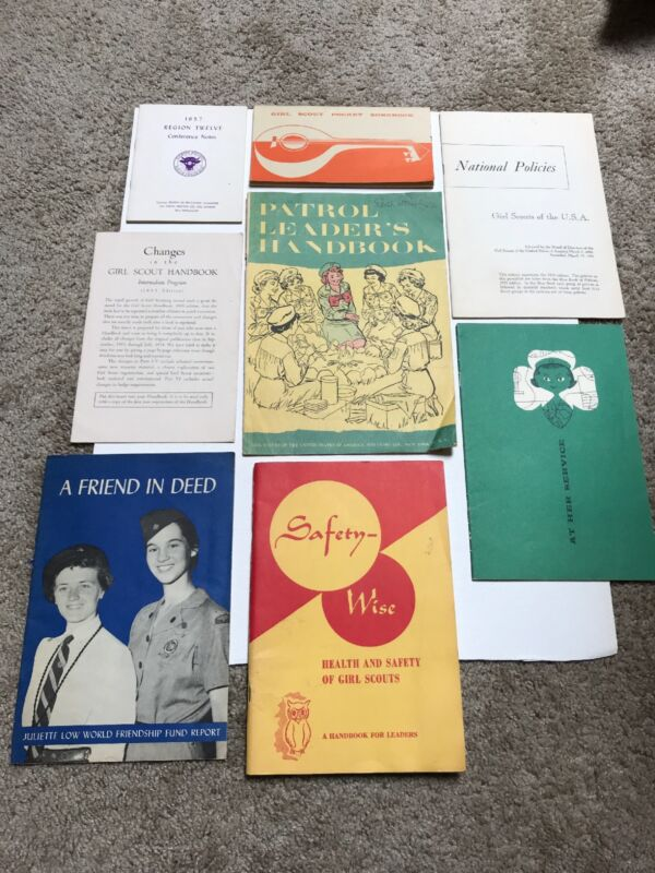 Vintage Lot of 8 Girl Scout Manuals from 1950 in VGC to EC