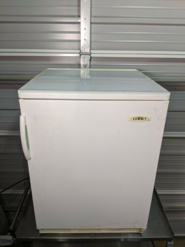 Summit Felix Storch Model FF-6 Type HS 1661 Undercounter Refrigerator / TESTED