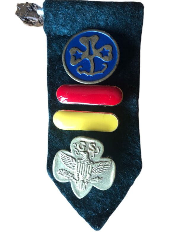 Vtg Girl Scout Pins Lot of 4 World WAGGGS Membership Eagle Red Yellow Bar