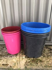 WANTED - Large and medium Plastic plant pots Sorrento Joondalup Area Preview