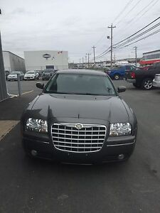 2009 CHRYSLER 300 QUICK SALE!! LOW KM!! MUST SEE