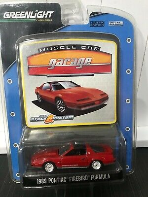 Greenlight Stock and Custom1989 Pontiac Firebird Formula Muscle Car Garage Red