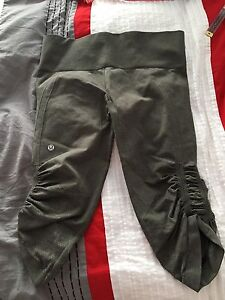 Lululemon tights -size 8 almost brand new