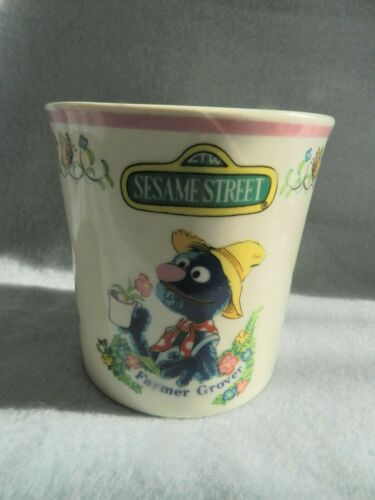 NEW OLD STOCK DISPLAYED ONLY Sesame Street FARMER GROOVER Cup Muppets 1973 1977
