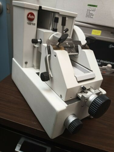 Leitz 1512 Manually Operated Rotary Microtome W/ Knife Block