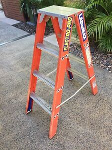 4 Foot Double Sided Fibreglass Ladder near new Bakewell Palmerston Area Preview