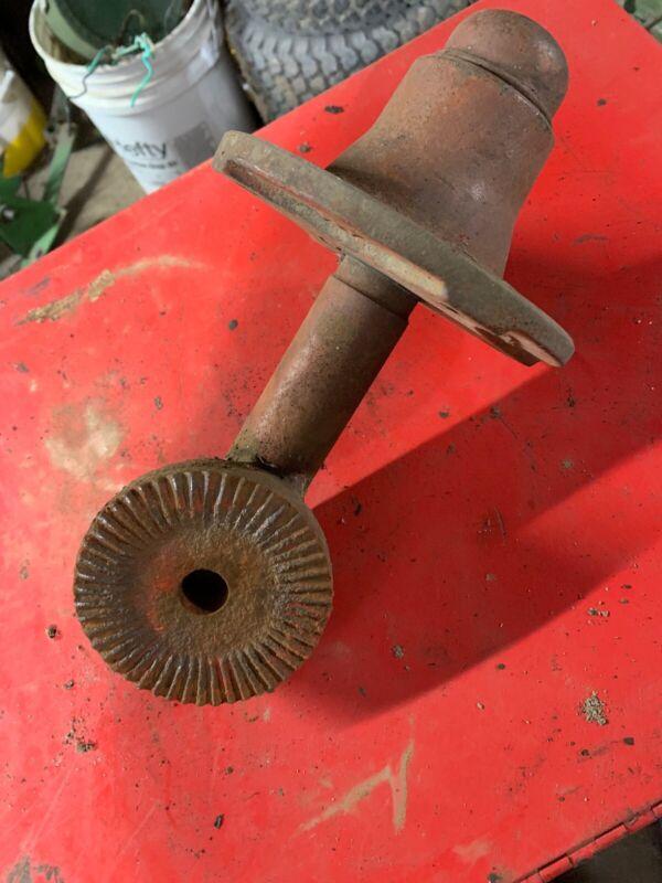 Farmhand Wheel Rake Hub And Spindle