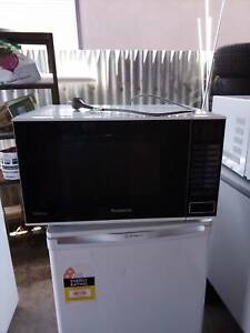 LG microwave clean excellent working UPGRADED for sales $60 ONO