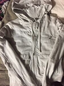 Lululemon Sweater - Barely Worn - Great Fit