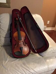 Bridgecraft  violin like brand new hardly played made in USA