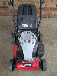 4 STROKE,EXCELLENT CONDITION SERVICED LAWN MOWER.CATCHER!