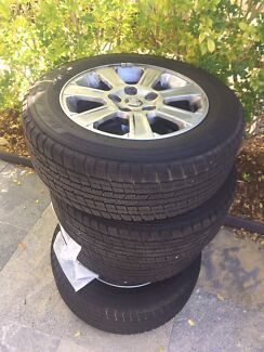 VE COMMODORE RIMS AND TYRES.