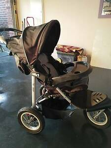 Baby pram for quick sale Dandenong Greater Dandenong Preview