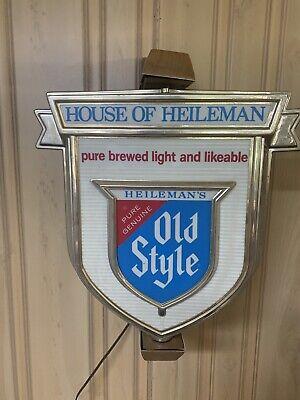 VINTAGE OLD STYLE HEILEMAN BEER ROTATING LIGHTED Vintage Old Style Beer