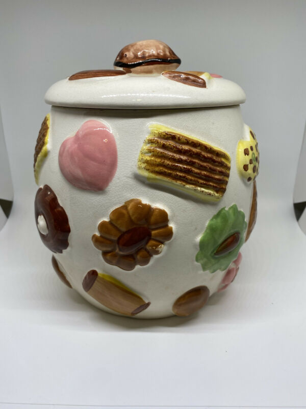 """Vintage 1950's napco """"Cookies All Over"""" With Walnut Lid"""