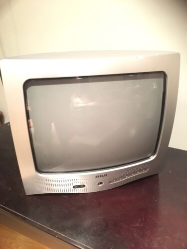 "Vintage 2003 RCA E13320 13"" Color Retro Gaming Television TV - Tested"