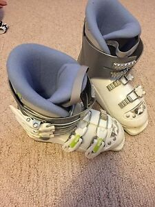 Kids Nordica 4 buckle ski boot