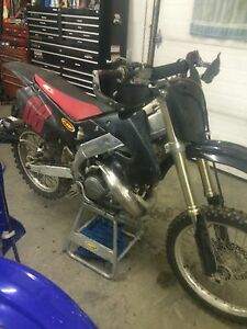 1997 Cr250r brand new motor what you got for trades