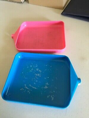 Pair of Pink and Blue Embossing Powder Pals