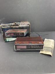 AM FM Clock Radio Alarm Soundesign Sound Design Wood Grain Vintage 3619 - 1980's