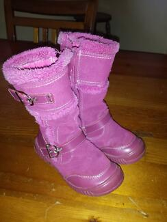 Girls Pink Boots - size 9 1/2 Mount Nasura Armadale Area Preview
