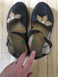 Softstar shoes barefoot mary janes size 8