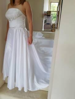 BNWT Jean Fox wedding gown