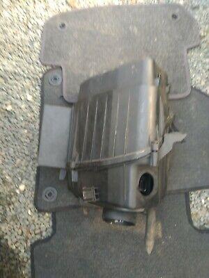 Audi A8 D3 4.0TDi NS Left Air Box Air Filter Housing 4E0133823D