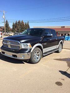 2014 Dodge Laramie crew cab 1/2 ton