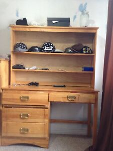 FREE DESK WITH 2 MATCHING TWIN BEDS