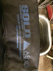Aegis solo windshield installer and tools