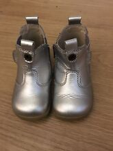 Bobux Baby Silver Boots Size 20/Aus Size 4 Glenelg East Holdfast Bay Preview
