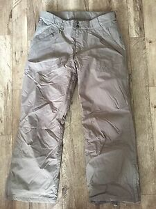 Woman's XL Firefly Snowboard Pants in Grey - Never Worn