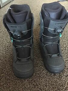 Snowboarding boots size 9 BRAND NEW!!