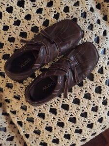 Ladies brown leather Aldo shoes size 8.5