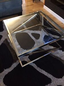 Glass style coffee and end table