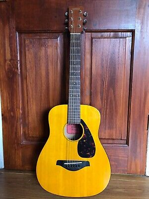 Yamaha FG Junior - 1 acoustic guitar parlour sized, Mint Condition. Barely Used