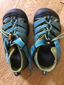 Keen sandals size 10 preschool