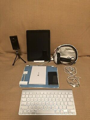 Apple iPad 2 WiFi Only, Apple iPod Touch (3rd Gen) & Accessories Bundle