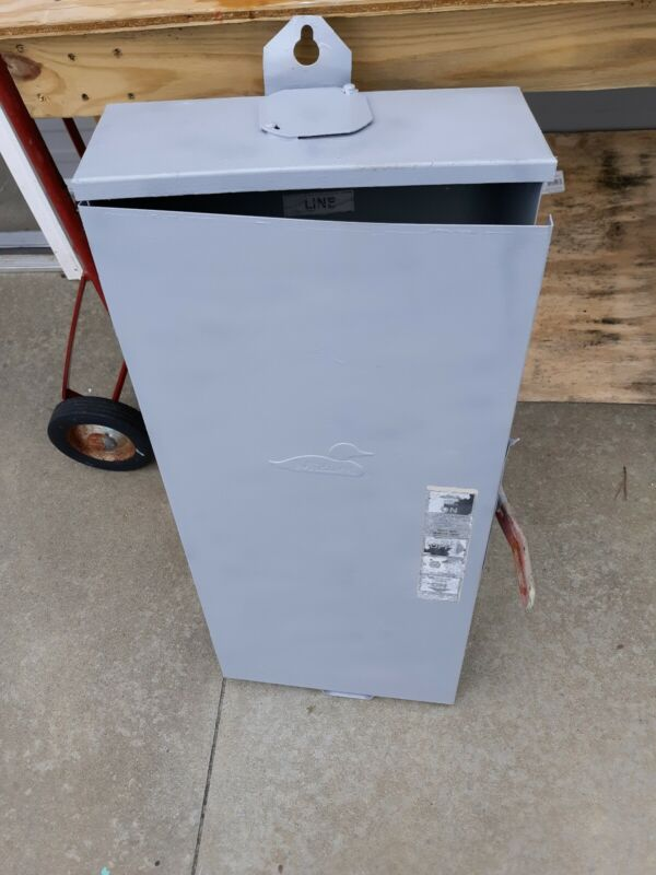 MIDWEST 200 AMP 240 VOLT SINGLE PHASE OUTDOOR TRANSFER SWITCH