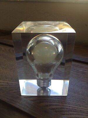 Vintage Lucite Pop Art Encased Glow In The Dark Light Bulb Paperweight](Glow In The Dark Light Bulb)